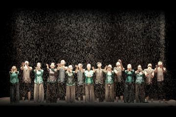 ザ・ミスト: サイゴン オペラハウスのコンテン…