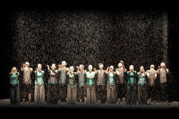 The Mist: Contemporary Dance Show at Saigon Opera House