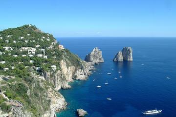 Excursão diurna e noturna para Capri
