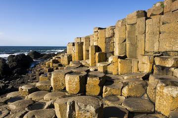 TOUR IN SPANISH: Belfast, Giant's Causeway and Game of Thrones