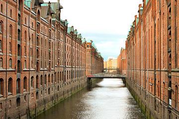 Hamburg Speicherstadt and HafenCity Walking Tour: Warehouses and Harbors
