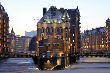 Tour privato: tour a piedi di Speicherstadt e HafenCity ad Amburgo