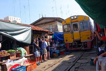 Maeklong Railway & Amphawa Floating...