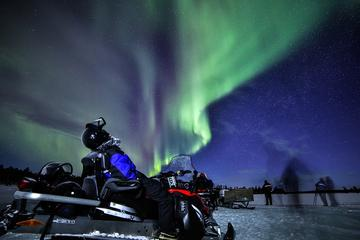 Northern Lights Snowmobile Hunt