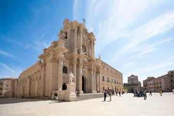 Full-day Syracuse and Noto tour from Taormina