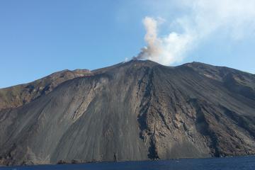 Ganztägige Führung zu den Äolischen Inseln von Taormina
