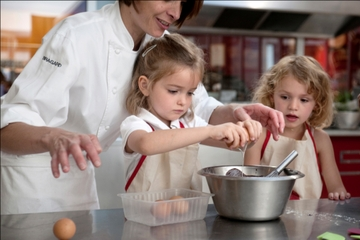 Clase de cocina para toda la familia en L'atelier des Chefs de París