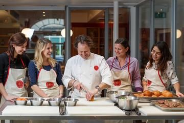 Cours de cuisine française à l'Atelier des Chefs, à Lyon