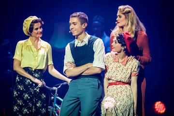 Summer 44: The Musical About D-Day in Paris with English Surtitles