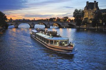 Flodkryssning med middag i bistrostil på Seine