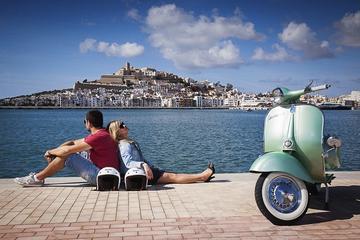 Ibiza-Landausflug: Landschaft und Bucht von San Antonio auf einer...