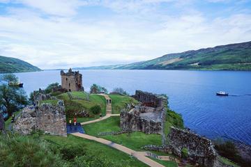 Besichtigungs-Bootsfahrt auf dem Loch Ness inklusive Urquhart Castle