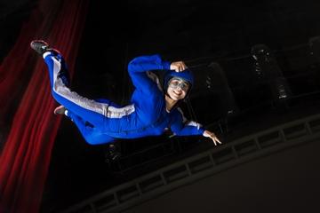 Premiär för fallskärmshoppning inomhus i Dubai