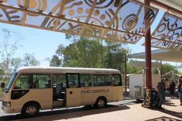 Transfert partagé à l'arrivée: de l'aéroport d'Alice Springs à...