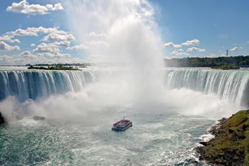 Niagarafälle-Bootstour: Reise zu den Fällen