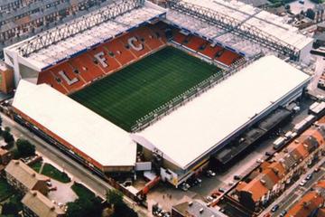 Partido de fútbol del Liverpool FC en Anfield