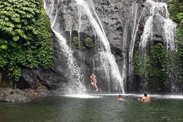 Bali Experience : Visit Banyumala Waterfall and Bratan Temple