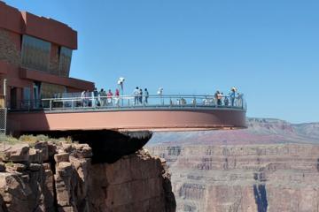 Survol du Grand Canyon en hélicoptère, au départ de Las Vegas, avec...