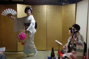 民家での芸者遊び体験:夕食と日本酒付き