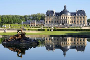 Entrada al palacio Vaux-de-Vicomte