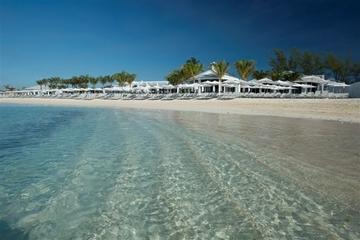 Dia na praia em ilha particular de Nassau