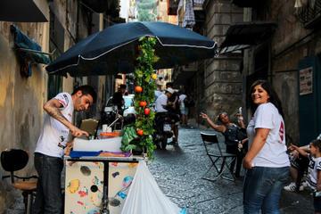 Discover popular quarter of Naples