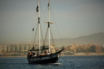 Crucero con cena o Barco pirata para practicar buceo en Los Cabos