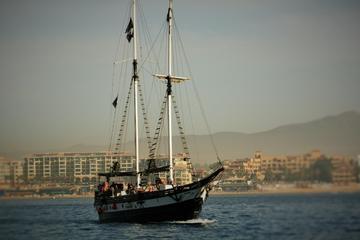 Crucero con cena o Barco pirata para...
