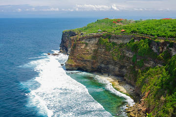 Uluwatu Cliff Temple sunset Tour with Kecak Show and  Sea Food Dinner at Jimbaran Beach