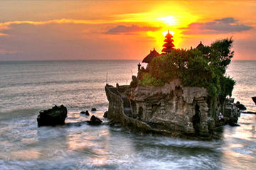 Private Bali Tanah Lot Temple Sunset Day Trip from Ubud or Kuta