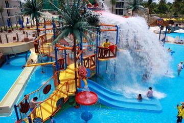 Entrada al parque acuático Splash Jungle con traslado opcional