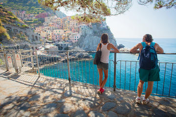 Cinque Terre Guided Tour by Minivan and Boat
