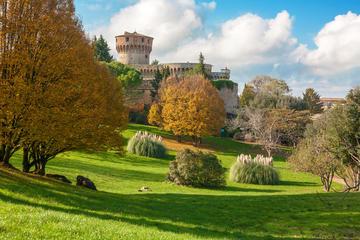 Tour giornaliero a Volterra e al Teatro del silenzio in minivan da