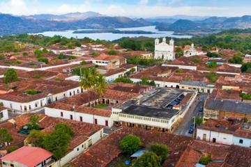 Private Tour: Suchitoto Day Trip from...