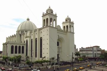 Visita privada: recorrido turístico por la ciudad de San Salvador