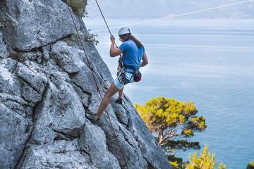 Escalade d'escalade avec une vue...