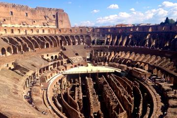 Excursão para grupos pequenos do subterrâneo do Coliseu e Roma Antiga