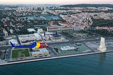 Visite privée: vol en hélicoptère à Lisbonne