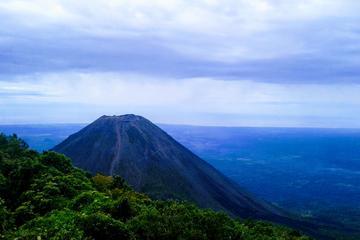 Izalco Volcano Hike and Lago Coatepeque