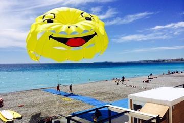 Parasailing en Niza