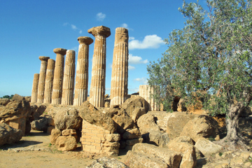 Private Transfer: Syracuse to Palermo with Valley of the Temples Stop