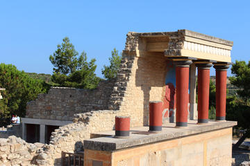 Crete Minoan Discovery Tour with Knossos Palace, Heraklion, and Live 3D Show