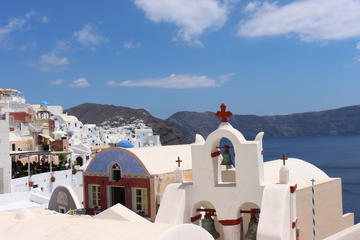 Santorini Traditional Villages and Oia Sunset Small-Group Tour