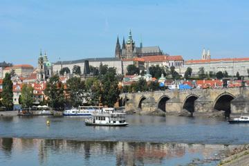 Visita guiada a pie por el Castillo de Praga y el barrio del castillo