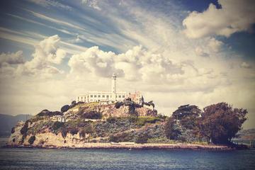 Kombinationsrundtur till Alcatraz och vindistrikt