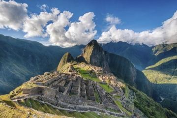 Viator Exklusiv: früher Zugang zum Machu Picchu mit einen Archäologen