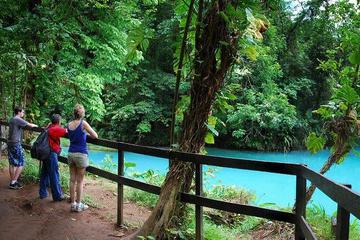 Caminata por la catarata del río Celeste desde Arenal