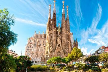 Barcelona 360 Gaudi Premium Small Group Tour with Skip the Line...