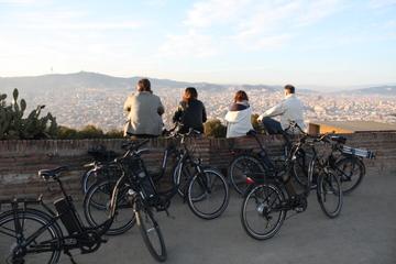 Excursão de Bicicleta Elétrica em Barcelona: Camp Nou, Montjuïc e...