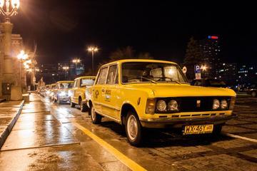Führung durch das Nachtleben in Warschau im Retro Fiat
